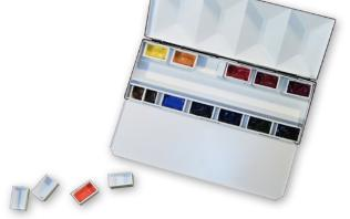 Folding Palettes Are Available In Both Plastic And Metal Many Paint Manufacturers Have A Travel Palette With Pre Filled Half Pans Of Selected Colors
